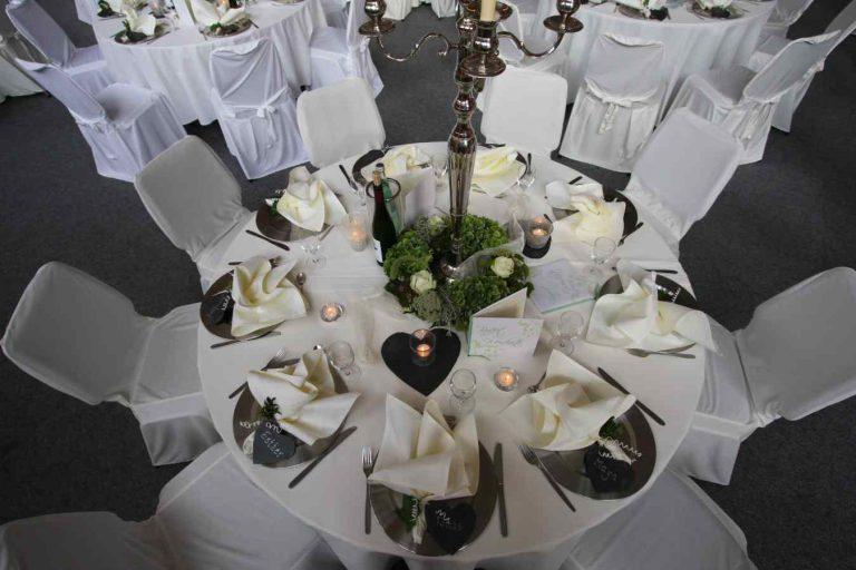 Tisch komplett